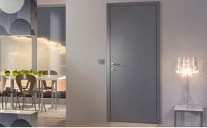Серые финские гладкие двери с глухим полотном