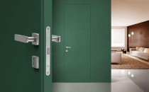 Высокие двери без наличников со скрытым коробом