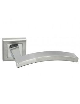 Дверная ручка ADDEN BAU ARCO Q305 на квадратной розетке SATIN CHROME хром