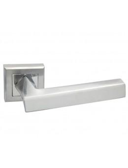 Дверная ручка ADDEN BAU VIRATA Q306 на квадратной розетке SATIN CHROME хром